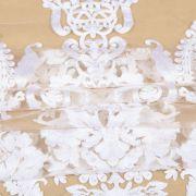 Tecido Renda Bordada com Fios Acetinados Floral Branco