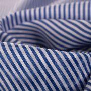 Tecido Tricoline Mista Listrada com Bordados Corações Azul