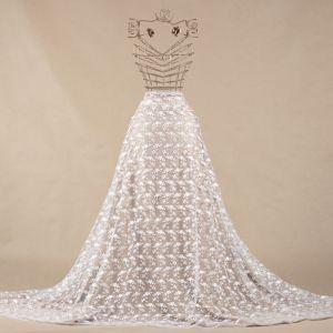 Tecido Tule Bordado com Fios Acetinados Mini Floral Branco